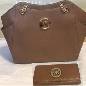 Michael Kors Jet Set Travel Lg, Chain & Wallet NWT